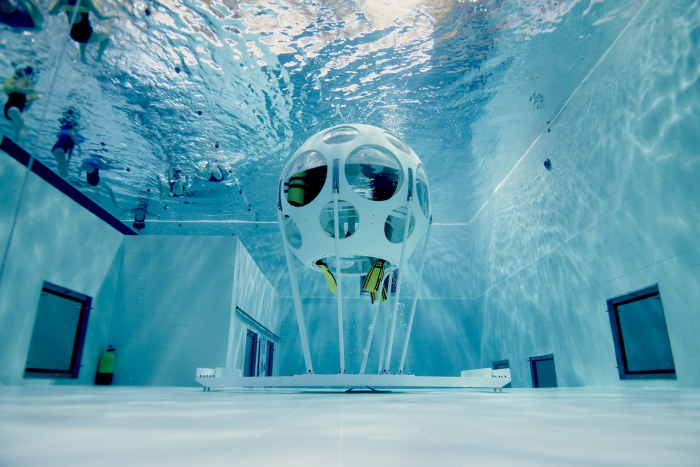 Culinair genieten onderwater in NEMO33. Verras je partner!