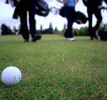 Nicky Dörfel is professioneel golfballenduiker in Nederland