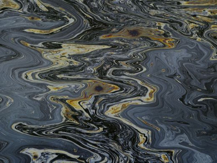 Lekkage olieplatform BP in de Noordzee