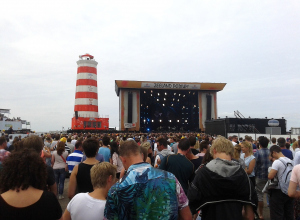 Concert at Sea. Pas je route aan.
