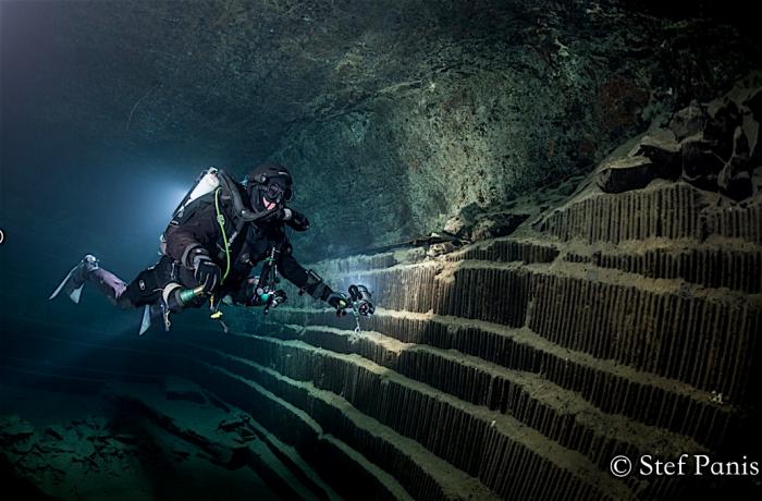 Duiken in nieuwe open groeve en grot in België
