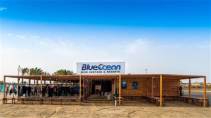 Doorstart duikcentrum Blue Ocean Abu Dabbab na brand