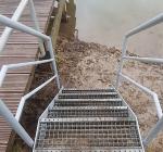 Duikvereniging plaatst nieuwe duiktrap bij Bussloo Schurinkshof