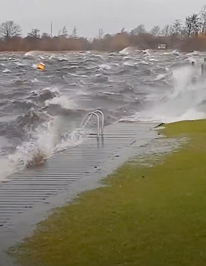 Stormachtig duiken bij Eiland 4