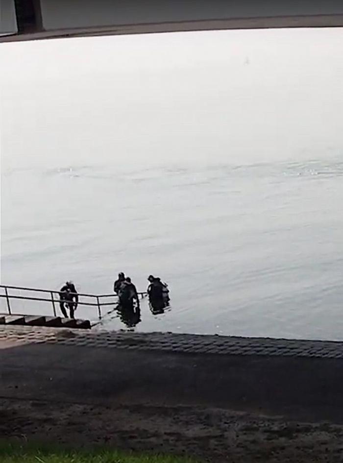 Reling oostelijke duiktrap Zeelandbrug defect