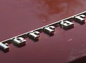 Ferrari succesvol uit het IJ getakeld
