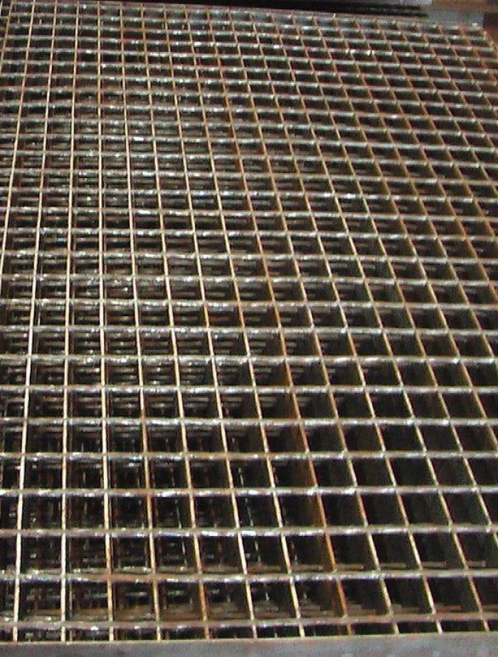 Metalen rooster Ruinerwold beschadigd