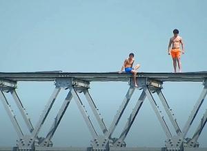 Pas op voor brug en steiger springers!
