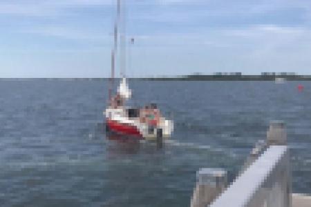 Duikers boos om bootje dat wil aanleggen bij Nieuwe Kerkweg