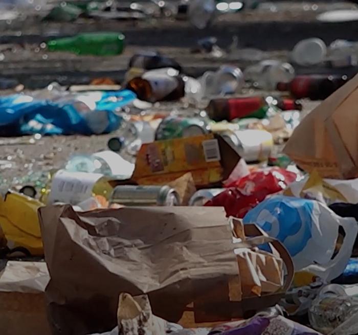 Feestende jongeren zorgen voor enorme vervuiling bij Veerse Meer